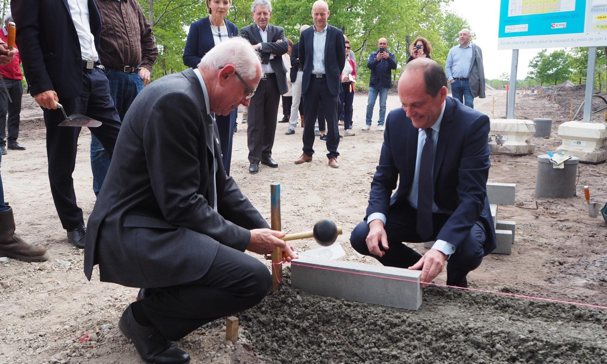 Pose de la 1ère pierre de l'extension de la Z.A. de Réganeau à Marcheprime le 7 mai