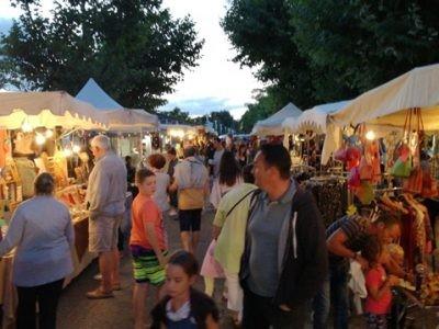Le marché nocturne d'été à Taussat-les-Bains